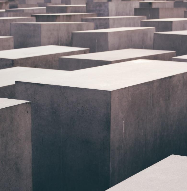 Zunehmende Angriffe auf Gedenkstätten – Beratungsangebot der MBR